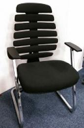 stolička FISH BONES MEETING čierny plast, čierna  látka 26-60, zleva č. SEK1066